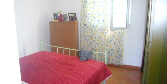 Newly built one bedroom apartment with garden and private parking space in Imperia