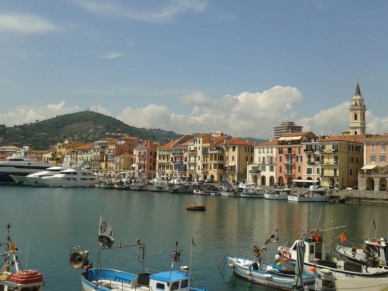 Marina immobiliare real estate marina immobiliare for Oneglia imperia