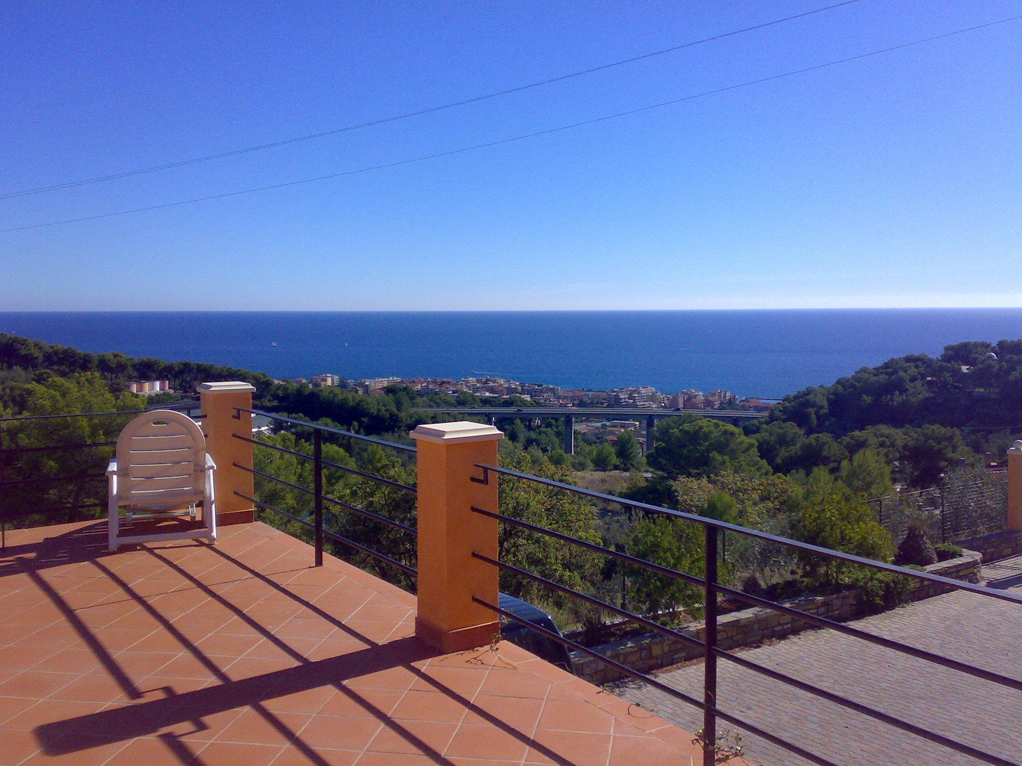 Splendida villa in ottime condizioni con bella vista mare
