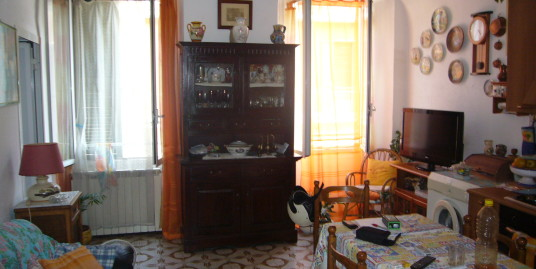 Apartment at 5 km from the sea in hinterland of Imperia