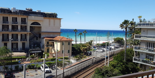 Beautiful apartment for holiday rent with sea view in Bordighera