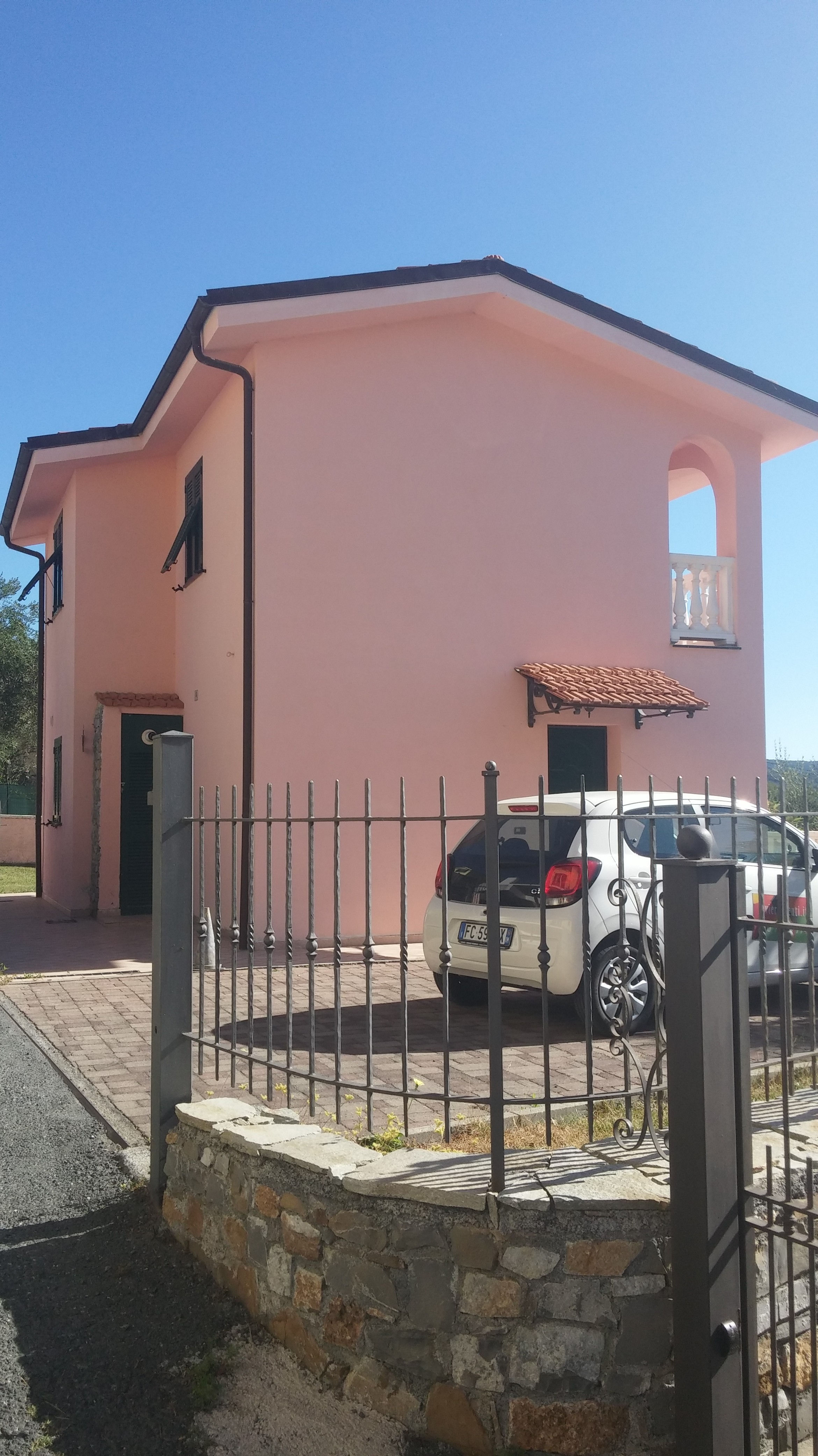 Furnished detached house with garden and parking spaces in Borgo Sant'Agata