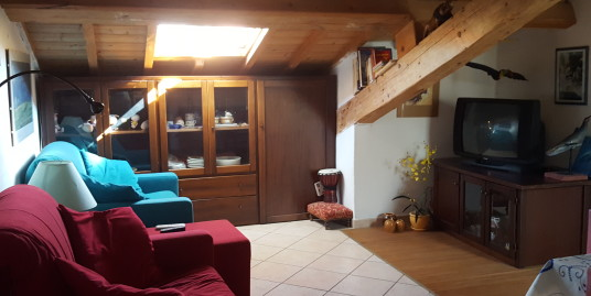 Cozy One bedroom apartment on the mansard floor just at 50 meters from the beach