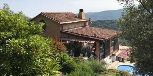 Imperia inland villa with heated pool