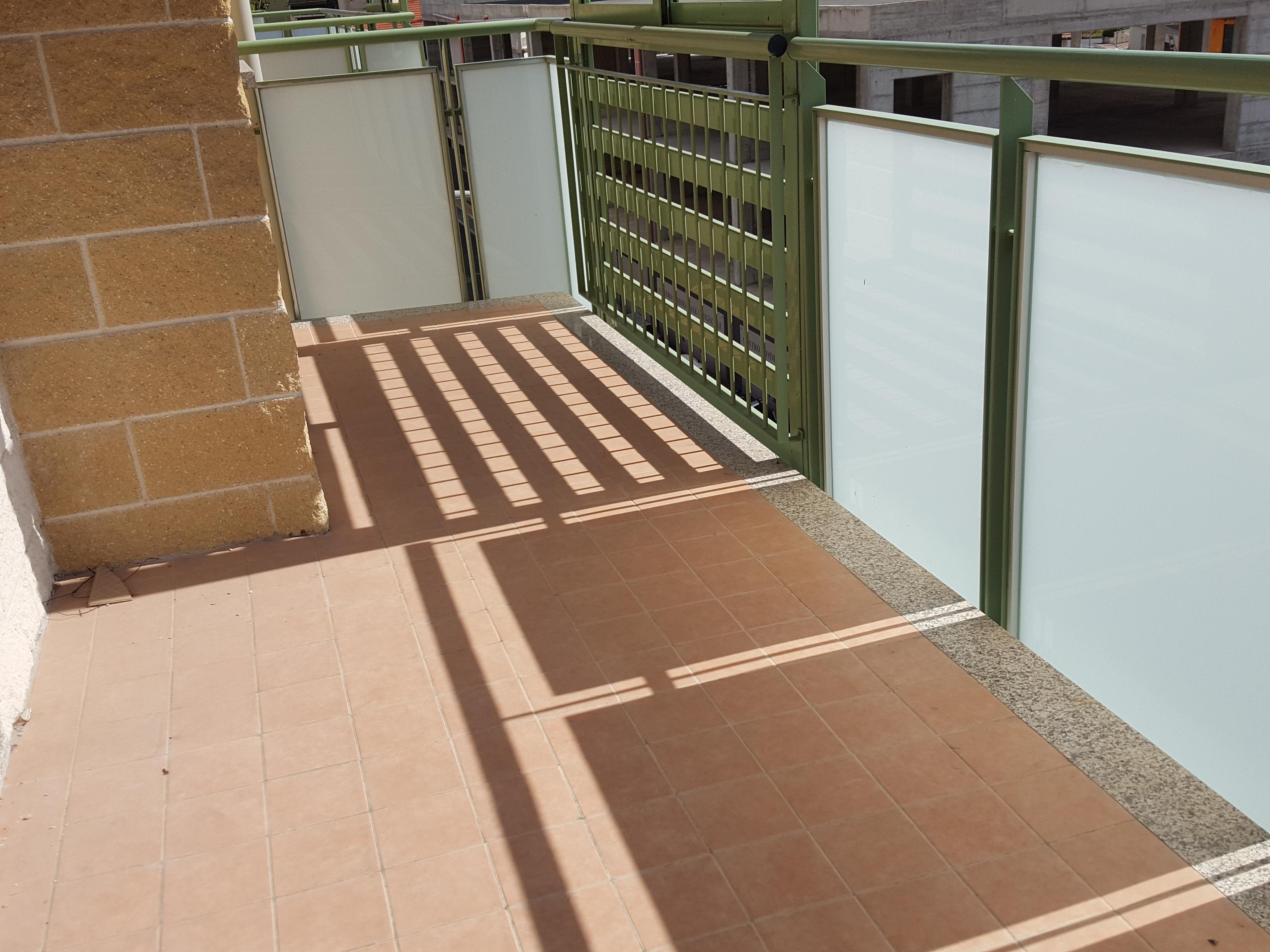 Nuova costruzione. Bilocale ultimo piano con terrazzo e garage.