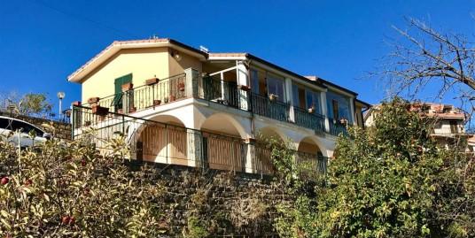Villetta indipendente di 150 mq abitativi con vista aperta sino al mare