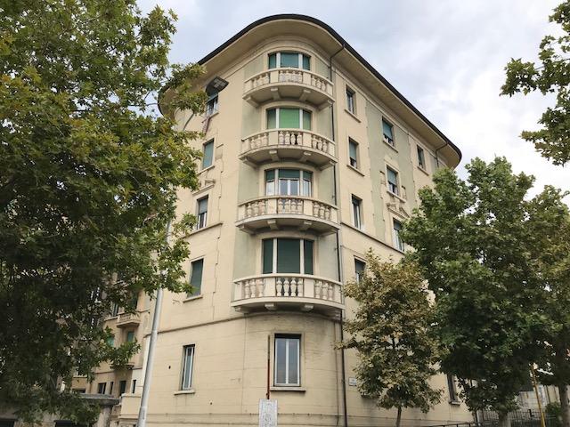 Centralissimo alloggio di 120 mq in palazzo d'epoca