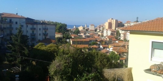 Independent apartment convenient to the center | Imperia Oneglia