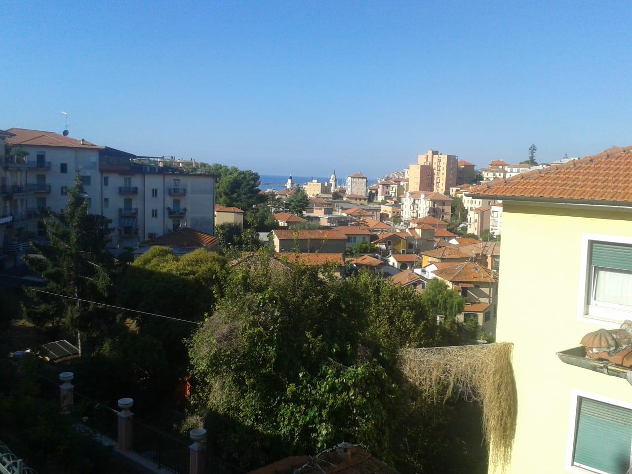 Independent apartment convenient to the center | Imperia Oneglia
