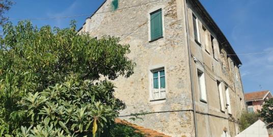 Casale in vendita a Imperia Porto Maurizio