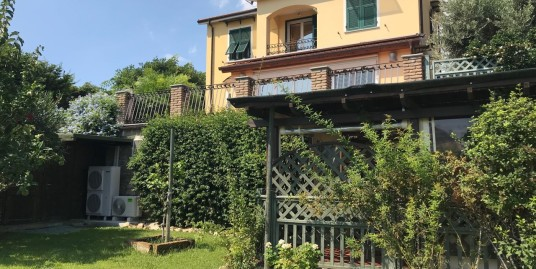 Villa in Costarainera | Imperia