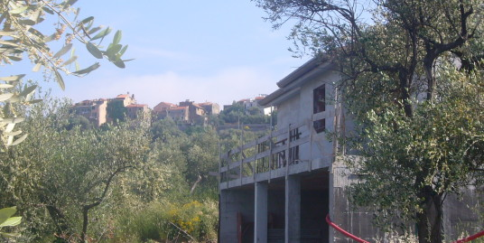 Villetta da ultimare con vista mare