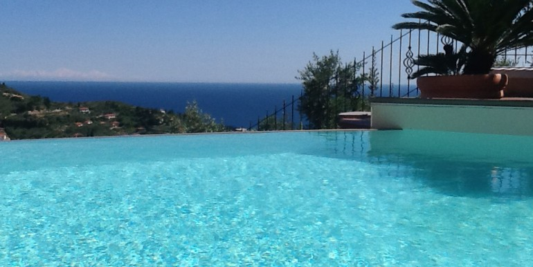 piscina asfioro 2