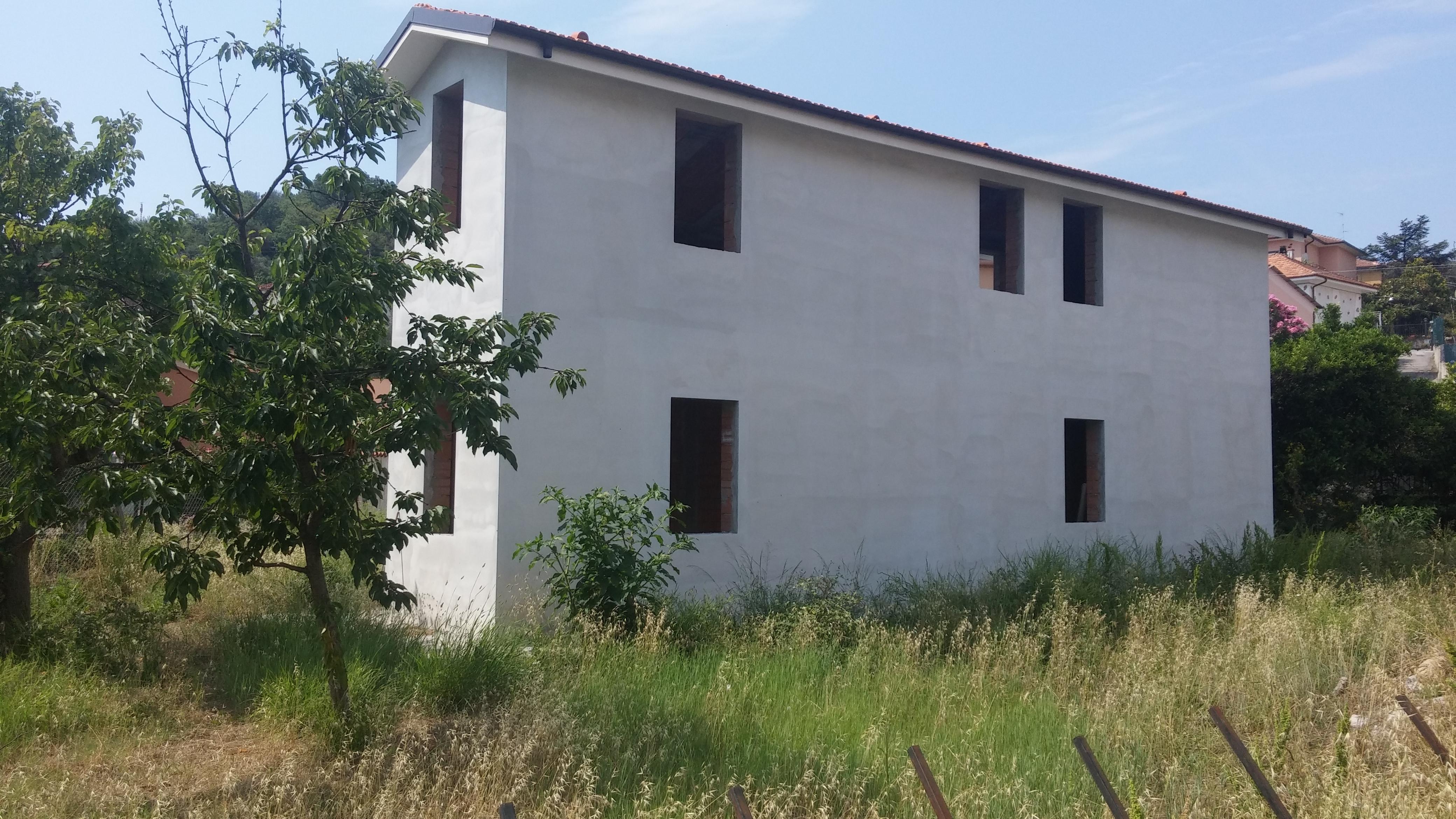 Casa bifamiliare in costruzione
