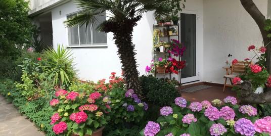 Villa padronale di 330 mq con giardino e garage