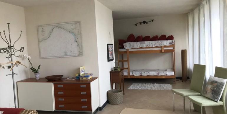 camera sotto 2