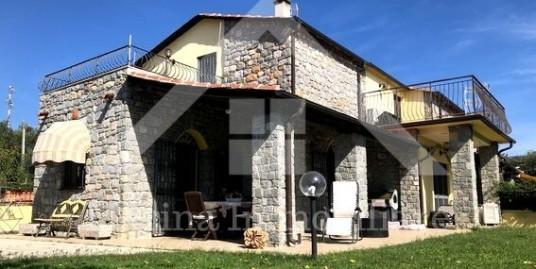 Villetta a schiera con giardino a 3 km dal mare