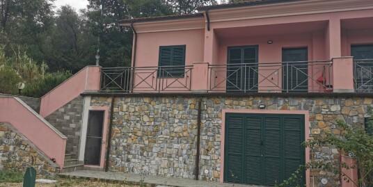 Villetta a schiera con giardino | Entroterra Imperia