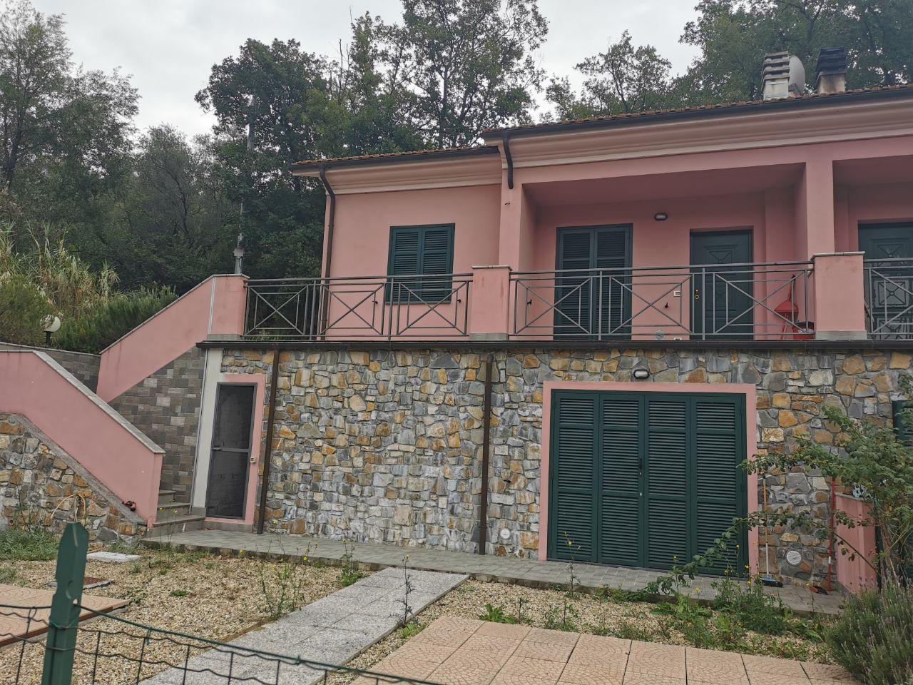 Townhouse with garden in Chiusanico, Imperia