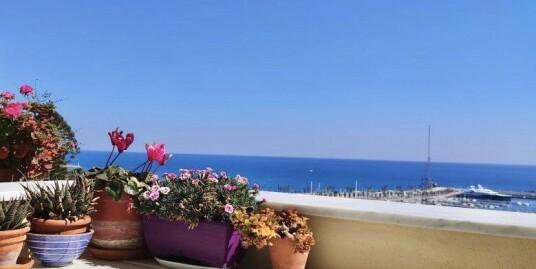Quadrilocale con vista mare a Imperia Porto Maurizio