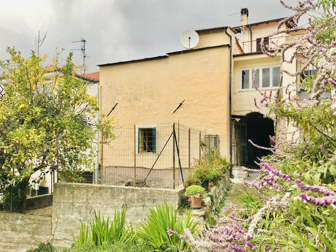 Appartamento con giardino in prima periferia di Imperia
