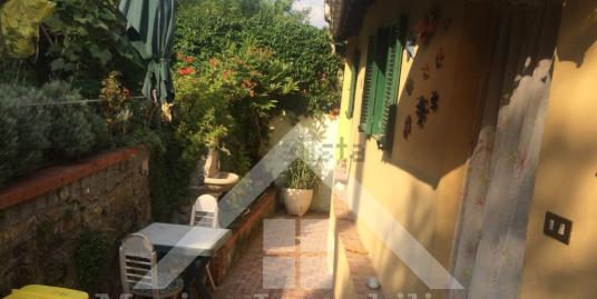 Casetta indipendente con giardino a pochi passi dal centro Imperia Oneglia