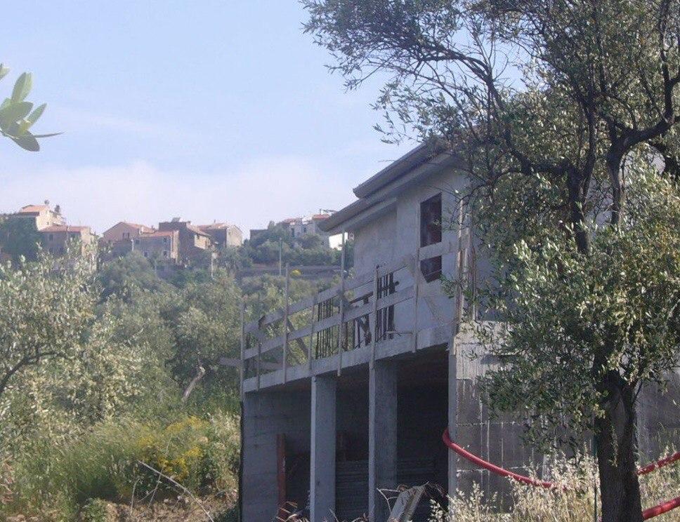 Villetta da ultimare a 2 km dal mare