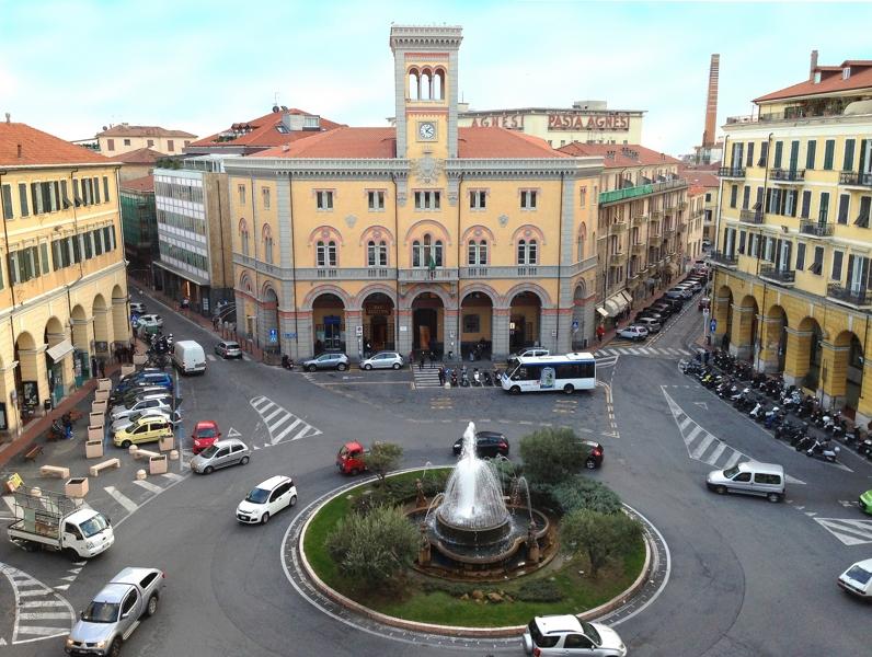 Imperia Oneglia centro Locale commerciale in vendita