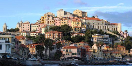 Appartamento nobile con affreschi e terrazzo vista mare